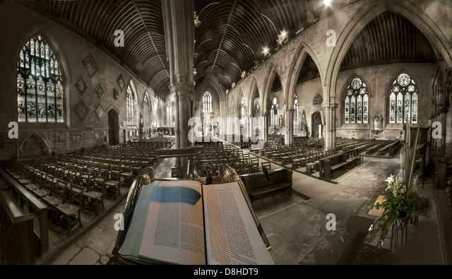 Wide angle view From The Pulpit St Wulframs Church Grantham Lincs, England, UK NG31 6RR - Stock Image