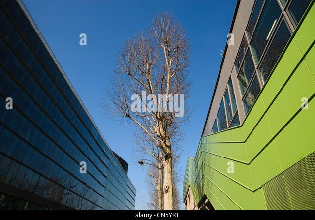 France, Paris, Quai d'Austerlitz, Cite de la Mode et du Design (Fashion and Design City), industrial buildings - Stock Image