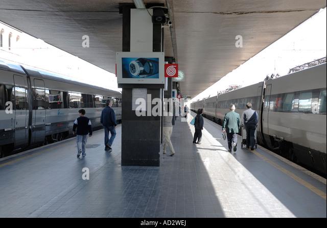 Lazio rome termini station italy stock photos lazio rome for Affitto ufficio roma stazione termini