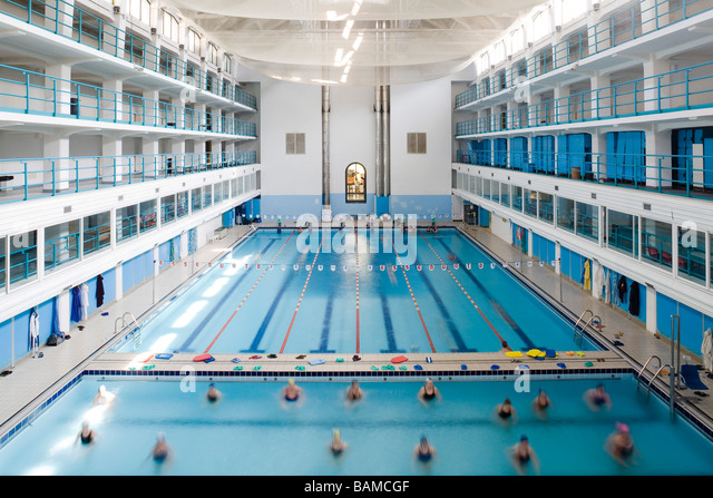 Piscina stock photos piscina stock images alamy for Piscina hotel bologna