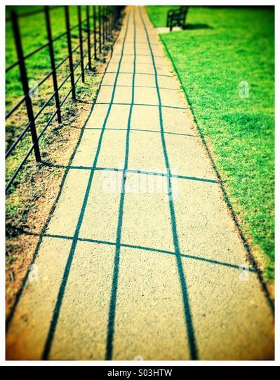 Pathway to a seat - Stock-Bilder