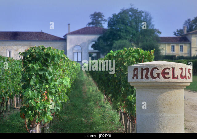 Angelus stock photos angelus stock images alamy for Chateau angelus