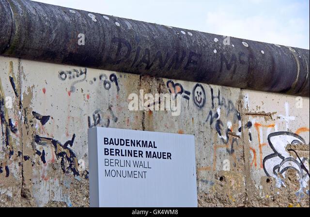 wall berlin daub - Stock Image