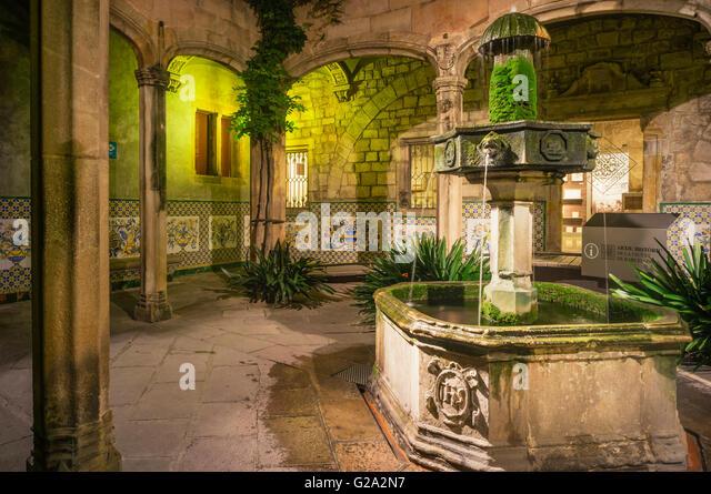 Arxiu Històric de la Ciutat de Barcelona, Historical Archive of the City of Barcelona, Courtyard of the Archdeacon's - Stock-Bilder