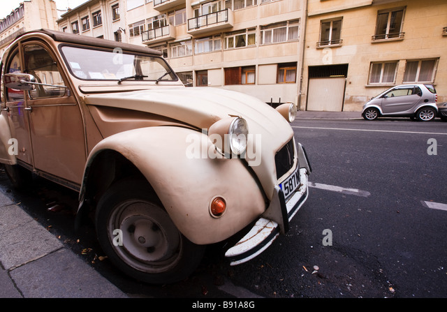 French classic car stock photos french classic car stock for Garage citroen bressuire