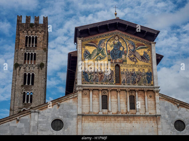Golden mosaic on the facade of the Basilica of San Frediano, Lucca, Tuscany, Italy - Stock Image
