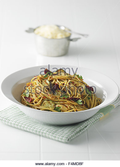 Southern spaghetti with zucchini and sun dried tomatoes - Stock Image