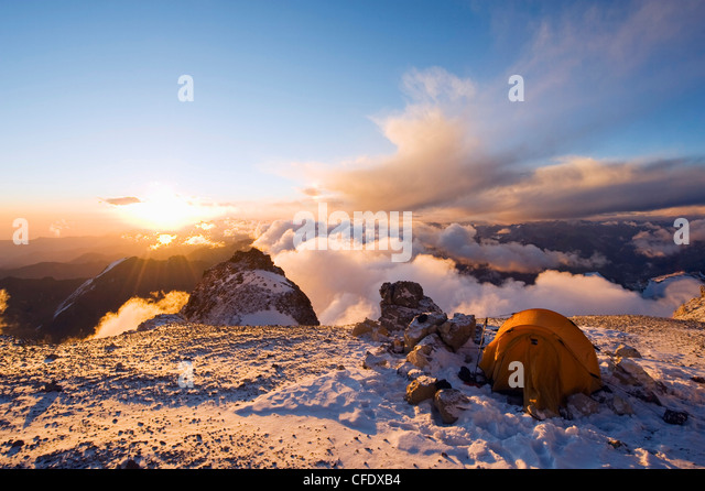 Sunset at White Rocks (Piedras Blancas) campsite, Aconcagua Provincial Park, Andes mountains, Argentina - Stock Image