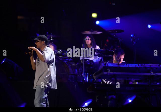 Xavier Naidoo, Soehne Mannheims Concert at the Koenig-Pilsener Arena in Oberhausen, North Rhine-Westphalia, Germany, - Stock-Bilder