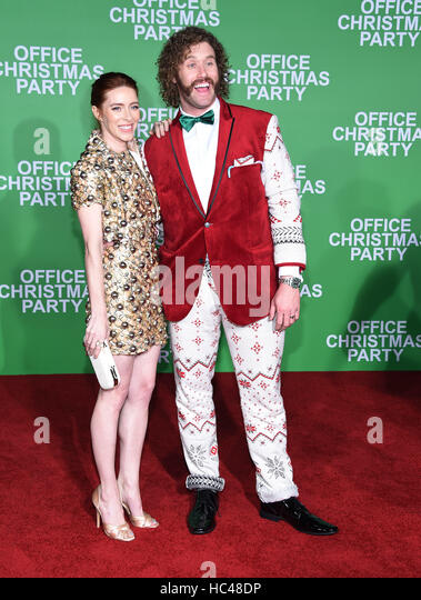 Westwood, California, USA. 7th Dec, 2016. T.J. Miller and Kate Gorney arrives for the premiere of the film 'Office - Stock-Bilder