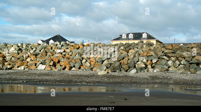 Flood defences at Borth, Aberystwyth, site of TV drama Hinterland - Stock Image
