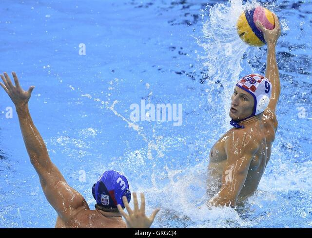 Rio De Janeiro, Brazil. 20th Aug, 2016. Croatia's Sandro Sukno (R) competes during the men's gold medal - Stock-Bilder