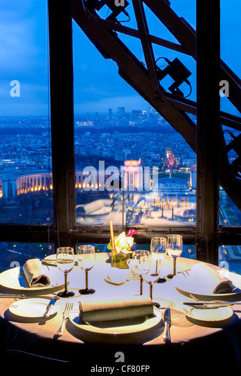 Jules verne restaurant paris stock photos jules verne restaurant paris stock images alamy - Restaurant cuisine francaise paris ...