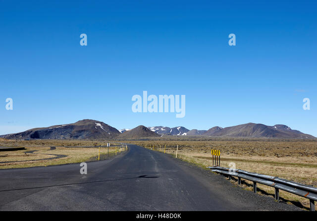 access road of the hellishedi geothermal power station Iceland - Stock-Bilder