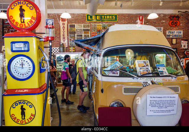 Illinois Pontiac Historic Route 66 Association Hall of Fame & and Museum inside exhibit Bob Waldmire 1972 VW - Stock Image