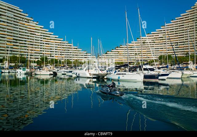 Villeneuve loubet stock photos villeneuve loubet stock for Piscine marina baie des anges