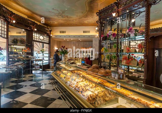 Cafe Mauri interieur, Confiserie, Patisserie, since 1929, Eixample district, Barcelona, Spain - Stock Image