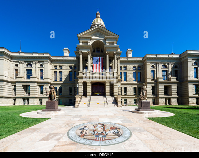 Wyoming State Capitol with the state great seal in the foreground, Cheyenne, Wyoming, USA - Stock Image