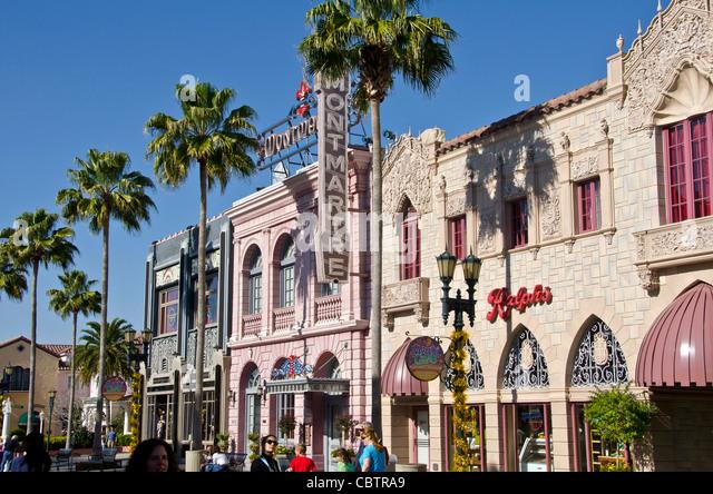 Hollywood Boulevard buildings  and  tourists at Universal Studios Orlando Florida theme park - Stock Image