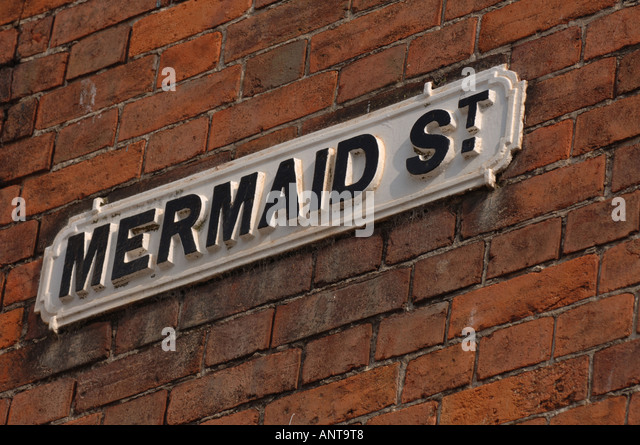 Street sign for the historic 'Mermaid Street' in Rye, East  Sussex, UK. Picture by Jim Holden. - Stock Image