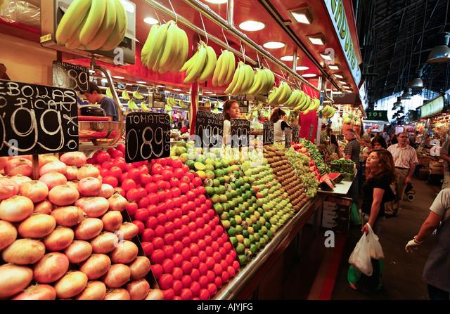 Barcelona Ramblas Mercat de Sant Josep La Boqueria market people - Stock Image