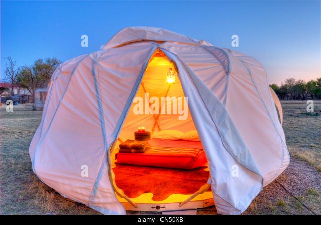 A yurt at El Cosmico, a lodge in Marfa, TX. - Stock-Bilder