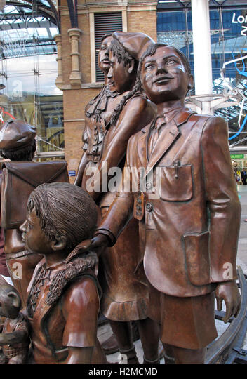 Kindertransport statues, Liverpool St station,London,England,UK - Stock Image