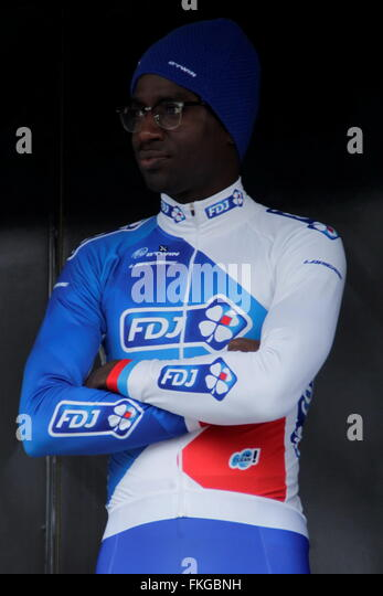 Kevin Reza  out to the podium at the first stage of Paris - Nice March 7, 2016 in Condé sur Vesgre, France - Stock Image