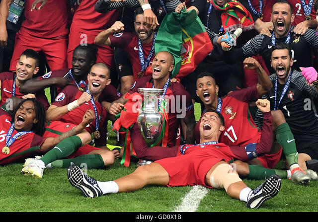 Players of Portugal celebrates after winning the UEFA EURO 2016 soccer Final match between Portugal and France at - Stock Image