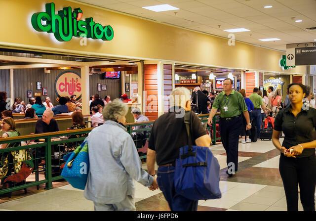 Atlanta Georgia Hartsfield International Airport concourse concession Chili's Too restaurant food passengers - Stock Image