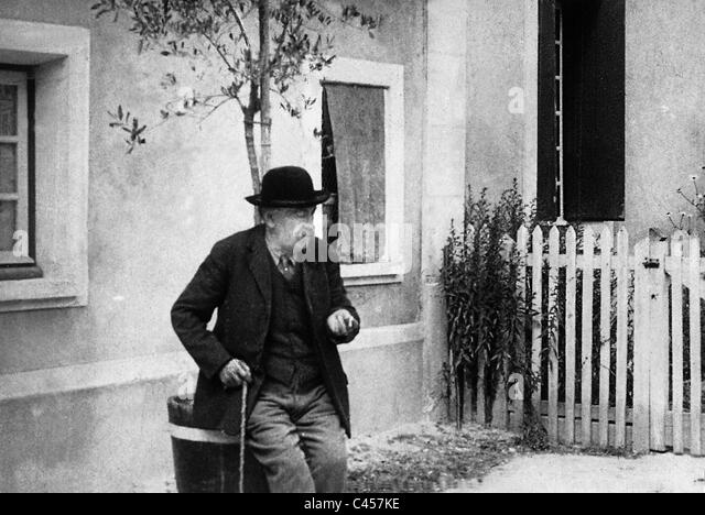 Aristide Briand at his country estate, 1929 - Stock Image