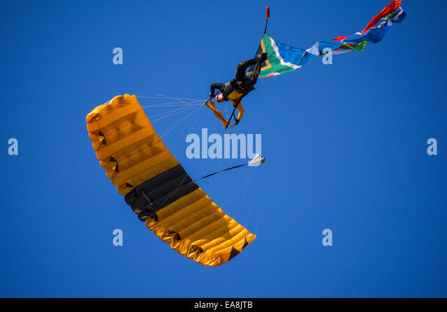 Parachutist directly above the photographer at the Lowveld Air Show - Stock-Bilder