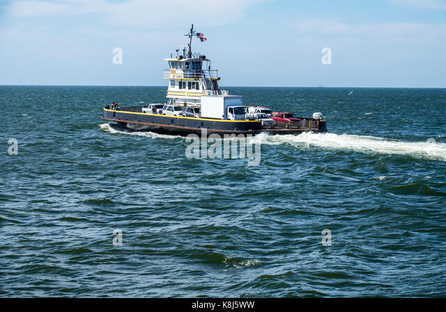 North Carolina NC Outer Banks Pamlico Sound Ocracoke Island Hatteras ferry water navigating vehicles waves - Stock Image