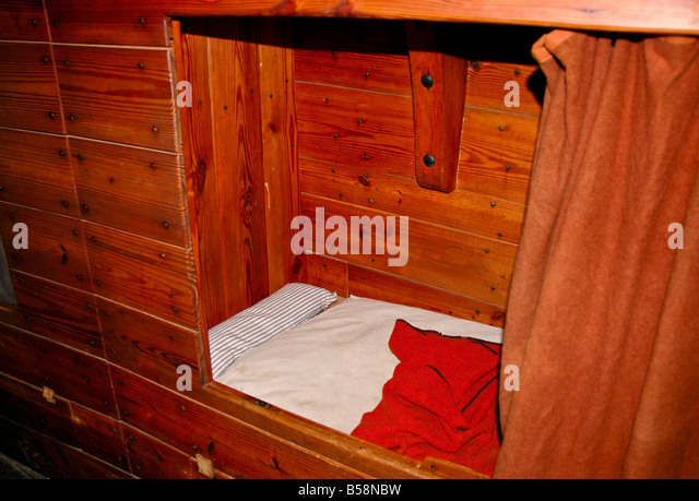 Jamestown Settlement ships Virginia bunk bed recreated ship historic recreation living history - Stock Image