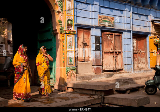 woman in the blue painted old part of Jodhpur, Rajasthan, India, Asia - Stock-Bilder