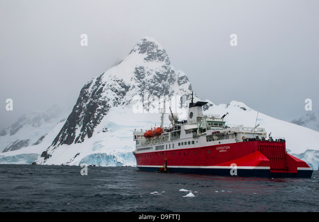 Cruise ship in the Lemaire Channel, Antarctica, Polar Regions - Stock-Bilder