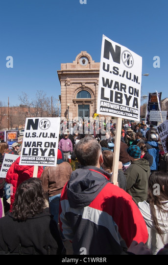 More than 150 Anti-War demonstrators after marching in Pittsburgh, PA to protest U.S. involvement in all wars. - Stock Image