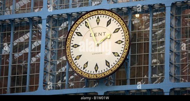 UK London St Pancras clock in station - Stock Image