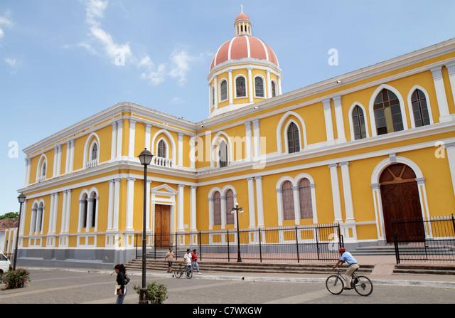 Nicaragua Granada Granada Square Avenida Guzman colonial heritage historic district Catedral de Granada cathedral - Stock Image