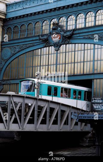 France, Paris, elevated railway in Austerlitz train station - Stock Image