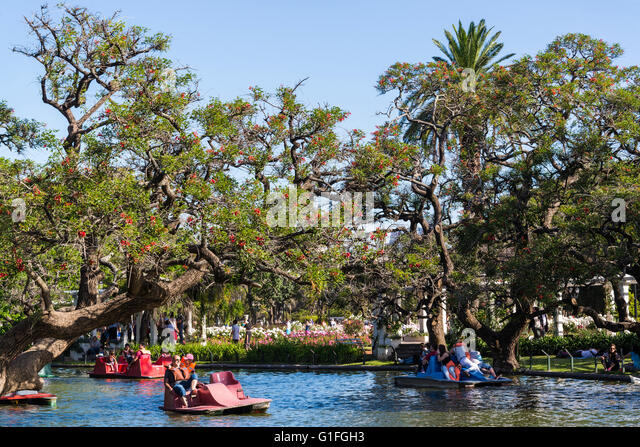 Paddle boating, Rose Garden, Parque Tres de Febrero, Buenos Aires, Argentina - Stock Image