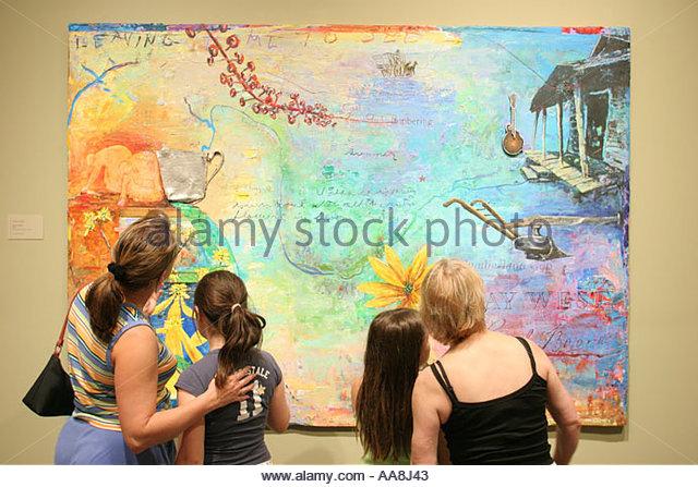 Huntsville Alabama Museum of Art mother daughter - Stock Image