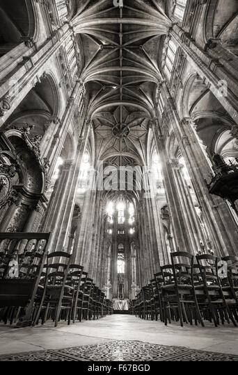 Nave with French Gothic Vaulted Arches, Church of Saint Eustache in the 1st arrondissement, Les Halles, 75001, Paris, - Stock Image