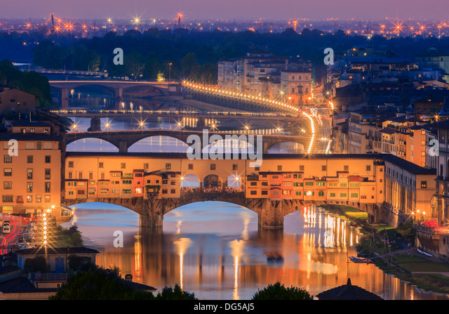 The Ponte Vecchio bridge over the Arno river in Florence, Italy. Taken from Piazzale Michelangelo - Stock Image