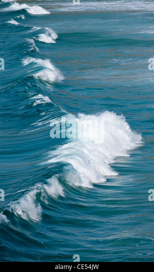 Breaking Atlantic wave off the coast of West Cornwall, England. - Stock-Bilder