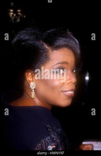 OPRAH WINFREY 5/15/98 DAYTIME EMMY AWARDS RADIO CITY MUSIC AWARDS, NYC. CREDIT ALL USES - Stock-Bilder