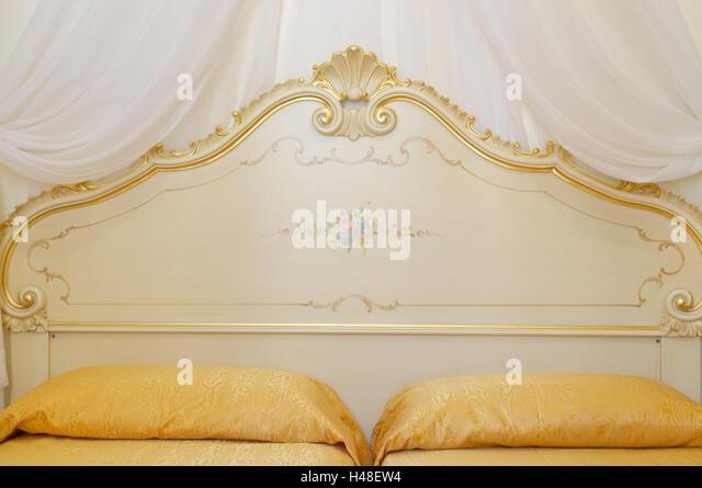 Matrimonio Bed Meaning : Matrimonio stock photos images alamy