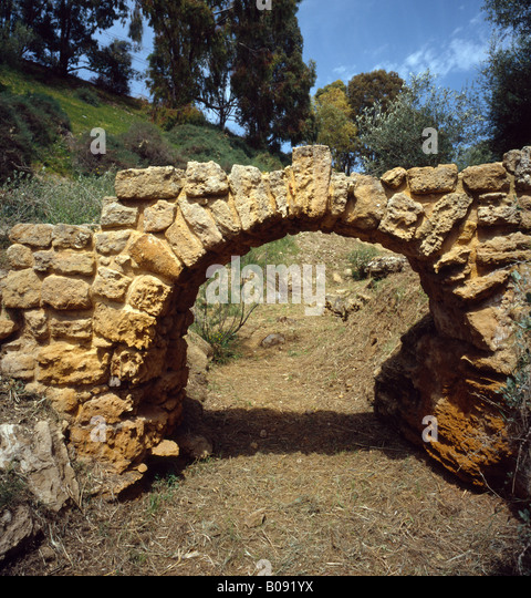 roman arch with keystone stock photos amp roman arch with