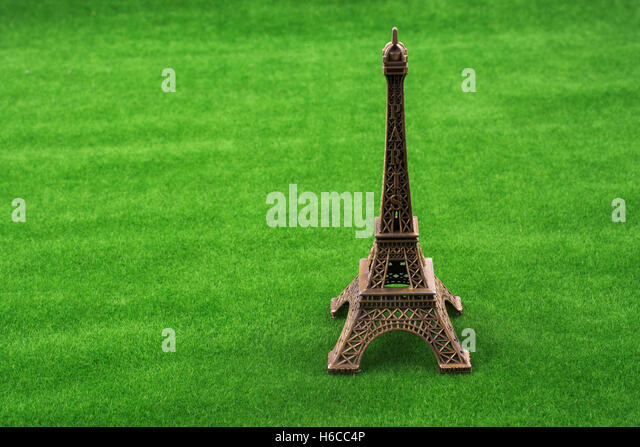 eifel tower paris green stock photos eifel tower paris green stock images alamy. Black Bedroom Furniture Sets. Home Design Ideas