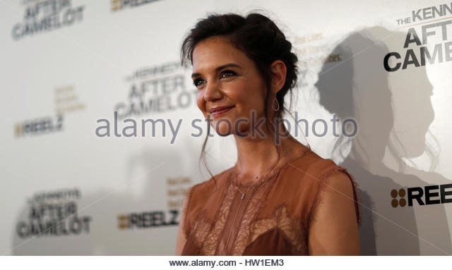 Cast member Katie Holmes poses at the premiere for the television series 'The Kennedys After Camelot' at - Stock-Bilder